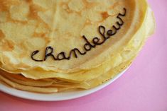 Chandeleur is basically France's Thanksgiving A great feast of crepes with all of possible toppings to be with your family Free In French, French Resources, 300 Calories, French Food, Cravings, Favorite Recipes, Traditional, Dishes, Live