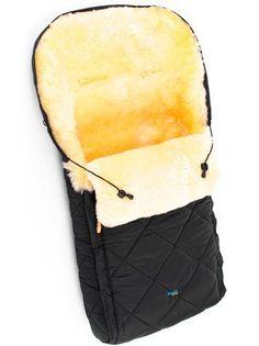 RAMILI Детский меховой конверт  — 12499р. ---------------------- Одна молния, раскладывается на два коврика, классический покрой, натуральная, овчинка медицинского назначения, плащевая влагостойкая ткань, расширен в области капюшона.