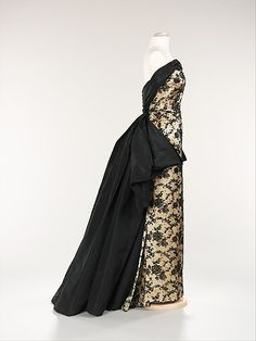 d6053aa0cab 1953 evening gown designed by Pierre Balmain. This side view shows off the  beautiful lines