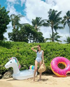 [JESSTAGRAM] 180816 Jessica updated IG:  jessica.syj: Life is better at the beach ☀️👙👒🌴