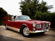 Facel Vega. Looks like an Excellence, but with only two doors?