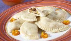 """MAGGI Rezeptidee fuer China-Täschchen """"Zwei Köstlichkeiten"""" mit Papaya-Mango-Sauce"""
