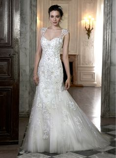 """Maggie Sottero """"Cheryl"""". Slim A-Line. Tulle with Embroidery."""
