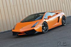 The Lamborghini Gallardo was first released in 2003 and ended production in The car was light weight and powerful. Everything you want in a supercar. Luxury Sports Cars, New Sports Cars, Exotic Sports Cars, Sports Car Racing, Drag Racing, Racing F1, Lamborghini Gallardo Black, Best Lamborghini, Custom Lamborghini