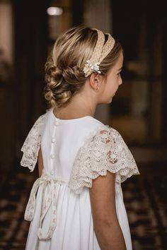 Girls Communion Dresses, Little Girl Dresses, Girls Dresses, Flower Girl Dresses, Eid Dresses, Wedding Dresses, Boho Chique, Communion Hairstyles, Blessing Dress