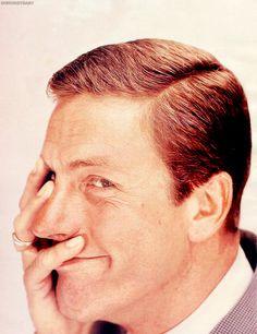 doesn't even really look like Dick Van Dyke!!!