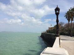 Cádiz, el Atlántico desde el Parque Genovés