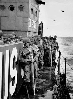 Source: U. Coast Guard Collection in the U. National Archives The Americans on D-Day: A Photographic History of the Normandy Invasion A group of soldiers from the Infantry. World History, World War Ii, Texas History, D Day Normandy, Normandy Invasion, D Day Landings, Landing Craft, Military History, American History
