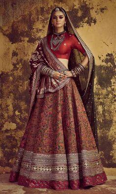 2020 Indian Wedding Style Trends Indian Bridal Outfits, Indian Bridal Lehenga, Indian Bridal Fashion, Indian Bridal Wear, Indian Designer Outfits, Bridal Dresses, Indian Dresses, Indian Bridal Couture, Bridal Sari