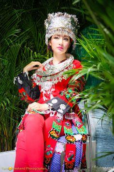 中国少数民族苗族衣装