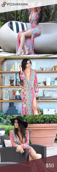 Beach kaftan coverup maxi dress Coral printed maxi dress! This fits like a dream and it has a slit on the side to make it flow. Low v neck in the front to keep you cool 😍 Dresses Maxi