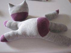 Katze aus Socken basteln - Sockentier Anleitung-dekoking-com