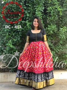 Beautiful black and red color combination ikkat floor length dress. For queries kindly whatsapp : 9059683293 . Saree Gown, Sari Dress, Anarkali Dress, Kalamkari Dresses, Ikkat Dresses, Long Dress Design, Dress Neck Designs, Frock Models, Frocks And Gowns