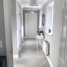 House goals grey carpet living room, grey carpet bedroom, grey walls and ca Interior Design Blogs, Gray Interior, Grey And White Hallway, Grey Hallway Paint, Grey Painted Rooms, New Wall, Grey Carpet Bedroom, Gray Carpet, Grey Walls And Carpet