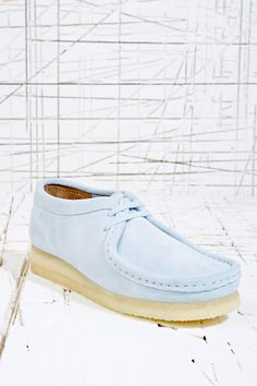 Clarks Blue Suede Wallabee Shoes at Urban Outfitters Hot Shoes, Crazy Shoes, Me Too Shoes, Men's Leather Jacket, Leather Jackets, Shoe Chart, Clarks Originals, Driving Shoes, Viera