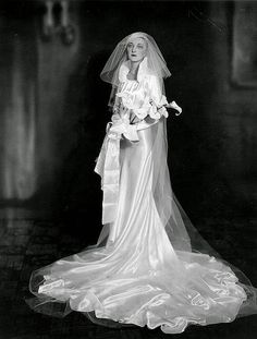 The Longer the More Elegant: 40 Cool Pics of the Brides in Their Very Long Wedding Dresses ~ vintage everyday 1930s Wedding, Vintage Wedding Photos, Vintage Bridal, Vintage Weddings, Country Weddings, Lace Weddings, Wedding Dress Trends, Long Wedding Dresses, Wedding Gowns