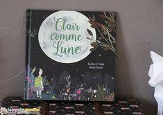 Clair comme Lune est un album doux, poétique et bienveillant sur le thème de la nuit et de la peur du noir. Dès 4 ans aux éditions Didier Jeunesse.