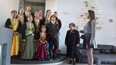 e-Pontos.gr: Τα παραδοσιακά Ποντιακά κάλαντα, έψαλαν τα παιδιά ...