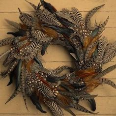 I like feathers! Deck the Doors: 10 Wreaths for Autumn Decorating Feather Wreath, Feather Crafts, Feather Art, Crafts With Feathers, Turkey Feathers, Pheasant Feathers, Autumn Wreaths, Holiday Wreaths, Wreath Crafts