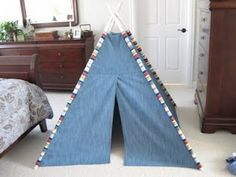 LoLo's teepee Tutorial.  My boys had one of these when growing up - it was great fun.