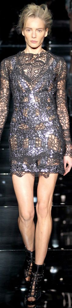 Tom Ford Spring Ready-To-Wear 2014