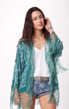 velvet kimono // Blu Moon #whatsnew #planetblue