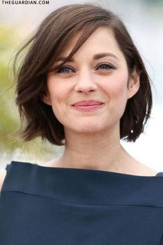 Neck-length bob on Marion Cotillard