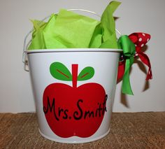 Super cute for teachers and looks easy to make!