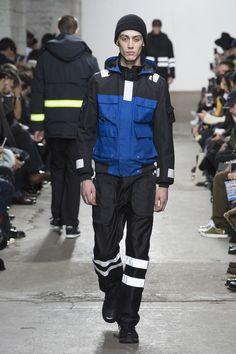 Junya Watanabe Fall 2018 Menswear Collection - Vogue Fashion Show Collection, Winter Collection, Street Outfit, Street Wear, Best Mens Fashion, Junya Watanabe, Vogue Russia, Mens Clothing Styles, Fall 2018