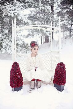 Gorgeous outdoor winter child photography | Candy Bell Photography
