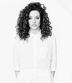 Jess Glynne- most incredible and vintage voice ♡ Curly Lob, Curly Wurly, Curly Hair Styles, Hair Inspo, Hair Inspiration, Jess Glynne, Salon Style, Love Hair, Woman Crush
