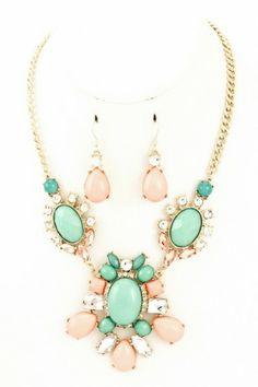 Acrylic stone cluster pendant necklace set. #salediem #jewelry #gold #accessories