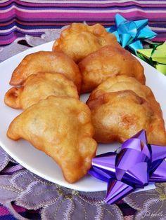 Apetyt i Smak: Drożdżowe pierożki z serem i pieczarkami