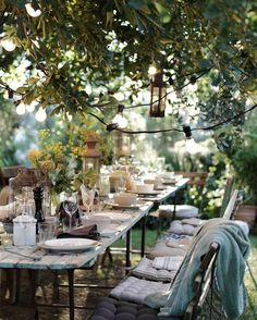 beautiful outdoor table setting al fresco dining Outdoor Rooms, Outdoor Dining, Outdoor Gardens, Outdoor Decor, Rustic Outdoor, Outdoor Ideas, Outdoor Furniture, Garden Cottage, Home And Garden