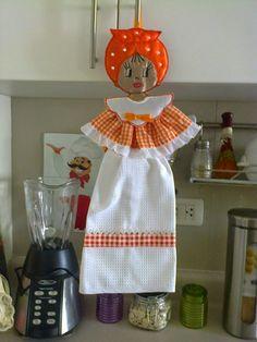 Cocineras Dish Towel Crafts, Dish Towels, Tea Towels, Sewing Hacks, Sewing Crafts, Sewing Projects, Hanging Towels, Linen Storage, Kitchen Towels