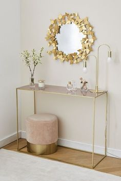 Velvet stool Harlow Small but so powerful! This soft velvet stool instantly transforms any room into a luxury lounge. Home Office Decor, Entryway Decor, Gold Home Decor, Interior Office, Living Room Decor, Bedroom Decor, Interiors Online, Creative Decor, Home And Living