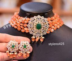 Gold Jewelry Simple, Coral Jewelry, Stylish Jewelry, Beaded Jewelry, Gems Jewelry, Beaded Necklace, Choker Necklaces, Gold Choker, Pearl Choker