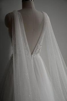 Wedding Bridesmaid Dresses, Bridal Dresses, Wedding Gowns, Prom Dresses, Bridal Cape, Sparkle Wedding, Event Dresses, Bridal Looks, Wedding Styles