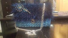 Amazing crochet bag with fur cover Louis Vuitton Twist, Handmade Bags, Gucci, Fur, Shoulder Bag, Crochet, Amazing, Cover, Handmade Handbags