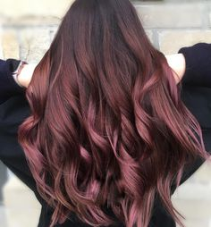 Natural Curls with Curtain Bangs and Highlights - 20 Chicest Hairstyles for Thin Curly Hair – The Right Hairstyles - The Trending Hairstyle Chocolate Mauve Hair, Chocolate Chocolate, Cabelo Rose Gold, Medium Hair Styles, Curly Hair Styles, Thin Curly Hair, Pink Hair, Rose Hair, Rose Gold Hair Brunette