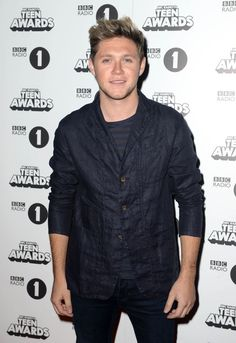 | NIALL HORAN SURPRISED FANS AT RADIO 1 TEEN AWARDS 2016 ! (WATCH) | http://www.boybands.co.uk
