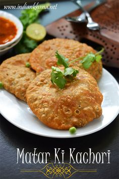 Matar Kachori is is flaky, crispy deep fried pastry filled with spiced peas filling and it's popular North Indian breakfast than snack Pea Recipes, Vegetarian Recipes, Snack Recipes, Cooking Recipes, Vegetarian Cooking, Yummy Snacks, Peas Kachori Recipe, Chaat Recipe, Indian Snacks