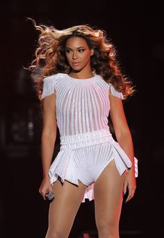 #Beyonce performing during her Mrs. Carter Show World Tour #Queenbey