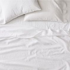 Our Belgian Linen Duvet Cover is woven from fine Belgian flax, which is washed for a luxe, lived-in look. Prized for its breathability, linen keeps you cool in the summer and warm in the winter, making it the natural choice for the master bedroom. Linen Bed Sheets, Percale Sheets, Linen Duvet, Fitted Sheets, Modern Bed Sheets, White Sheets, Cotton Sheet Sets, Bed Sheet Sets, Best Cooling Sheets