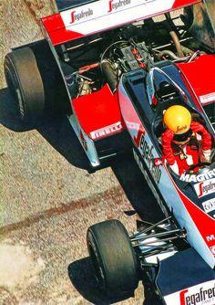 Ayrton Senna em sua primeira equipe na Fórmula 1, a modesta Toleman.