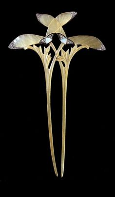 Georges Fouquet (French, 1862-1957) | Sycamore hair pin - 1905. Horn, cloisonné enamels on straw gold, diamonds and opals. | Musée des Beaux-Arts de la Ville de Paris - Petit Palais