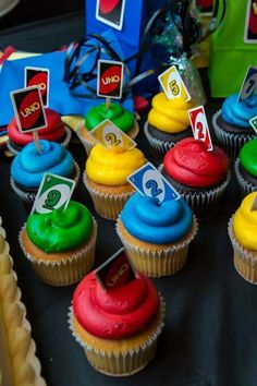 Luciano's uno themed birthday party #miniunocards #cupcakes