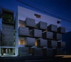 Housing in Onmae by VIDZ Architects // Budynek z mieszkaniami dla osób pragnącymi zachować dużo prywatności. / Building of flats for people wanting to save a lot of privacy.