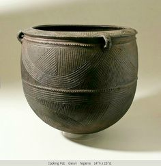 Nigerian Ceramic which starts me thinking of texture and patterning click the image or link for more info. Ceramic Pots, Ceramic Clay, Ceramic Pottery, Earthenware, Stoneware, Art Et Architecture, African Pottery, Pottery Designs, Pottery Ideas
