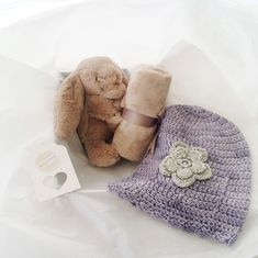 It's a GIRL ♡ This gorgeous bashful bunny soother and soft bamboo beanie will be keeping little Greer comfy during this festive season. What a stunning baby gift. Lovingly packed and delivered by